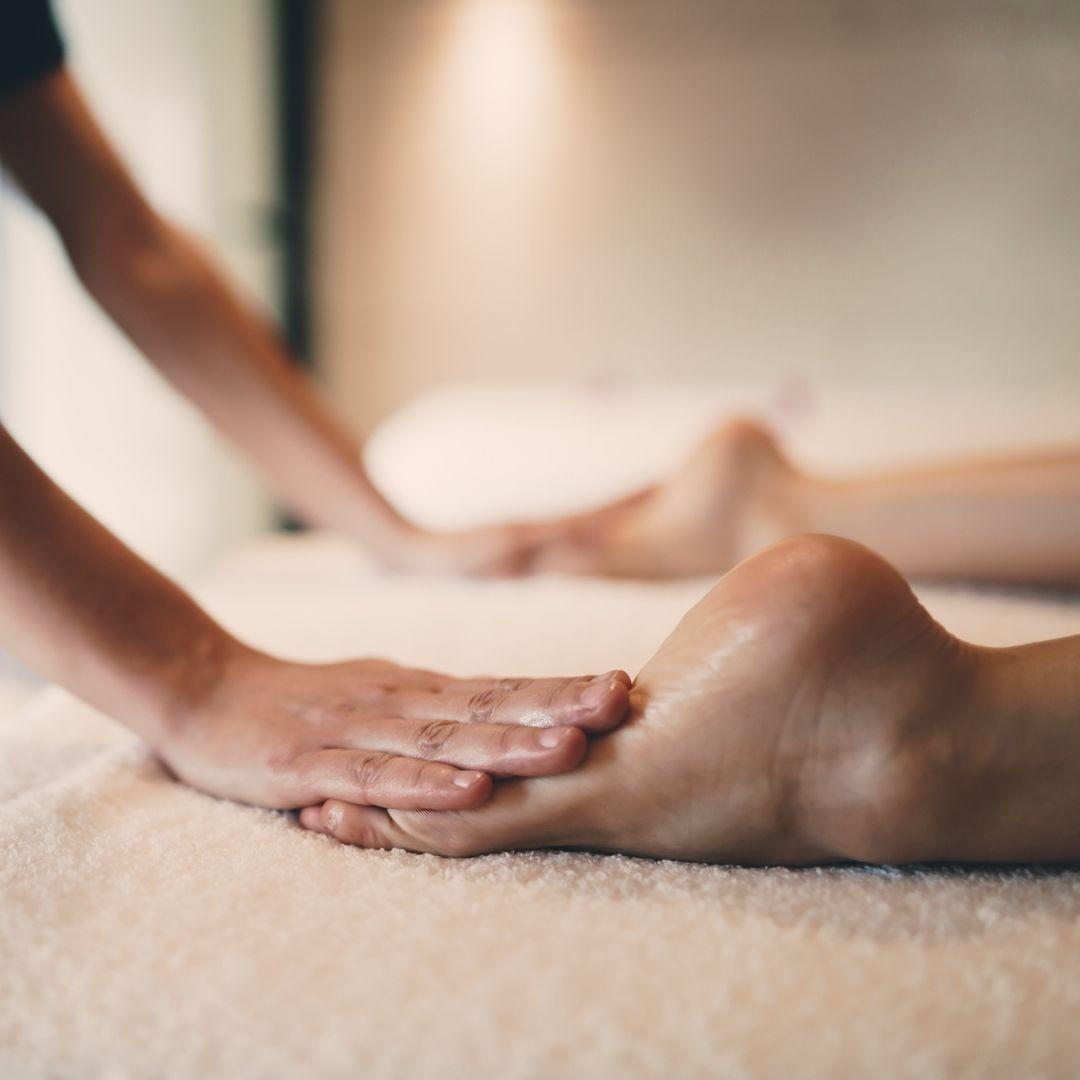 Séance bien-être, soins, soin énergétique, soin holistique, soins énergétiques, soins holistiques, thérapie holistique, thérapies holistiques, thérapies énergsoins bio, soins, soin, soin énergétique, soin holistique, thérapie naturelle, soin naturel, thérapeute naturel, thérapeutes, cosmétiques bio, cosmétiques naturelles, cosmétiques, massages, salon de massage, bien-être, prendre soin de soi, prendre soin de soi naturellement, reflexoogie, reflexologie plantaire, médecine douce, médecine chinoise, acuponcture, La Ronde du Bio, réflexologie, massages, acuponcture, énergie chinoise, magasin bio, Biocoop, coopérative bio, Bio monde, produits bio, produits locaux, producteurs locaux, vrac, produits vracs, zero déchet, Faverges, Annecy, Talloires, St Jorioz, Doussard, Lathuile, Giez, Montmin, Seythenex, Ugine, Albertville